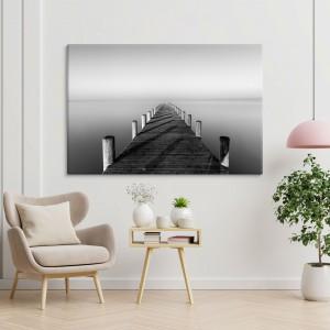 Pėsčiųjų tiltas prie ežero