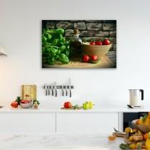 Bazilikas, vyšnios, pomidorai ir alyvuogių aliejus